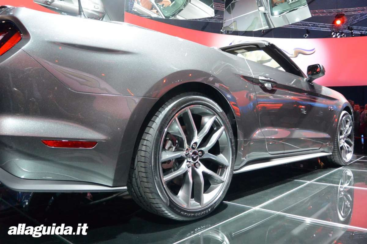 nuova Ford Mustang convertible, scheda tecnica