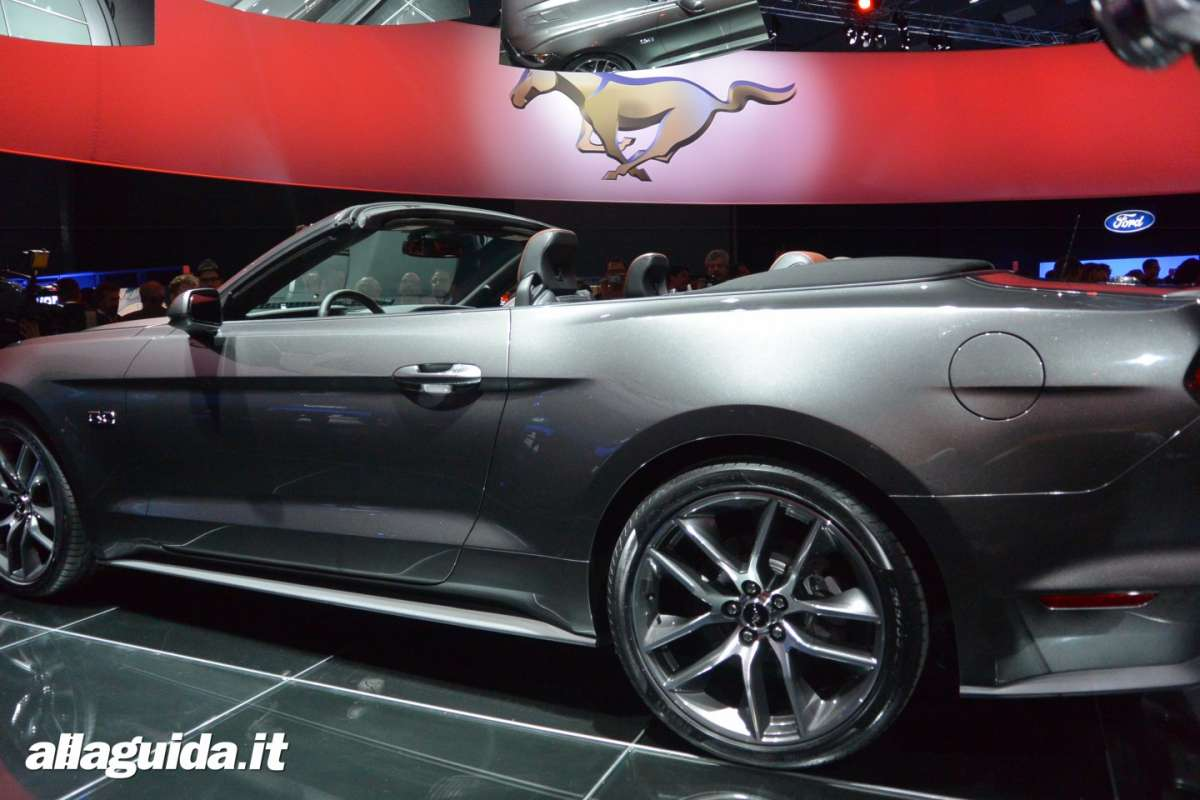 nuova Ford Mustang convertible, dimensioni