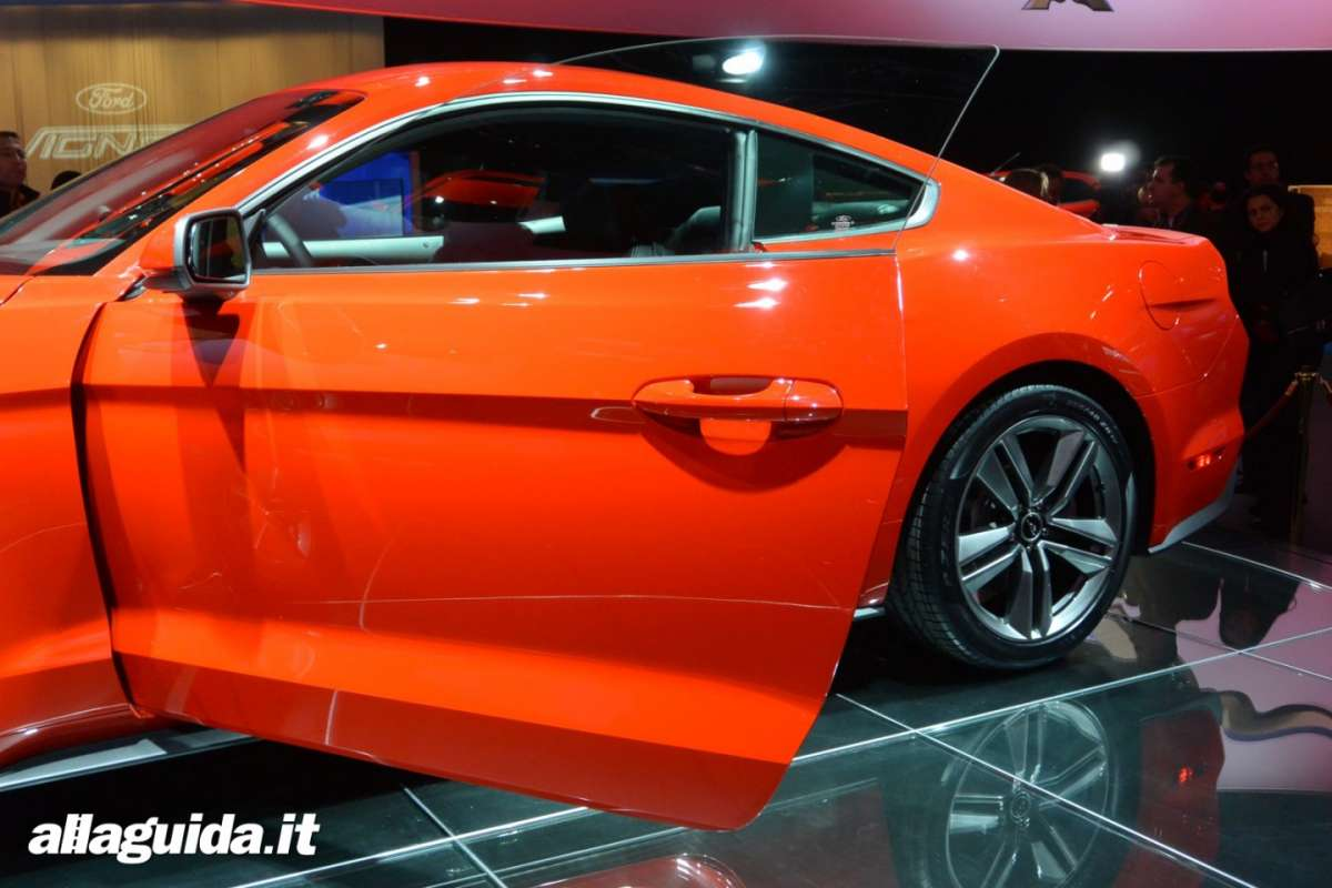 nuova Ford Mustang, portiera