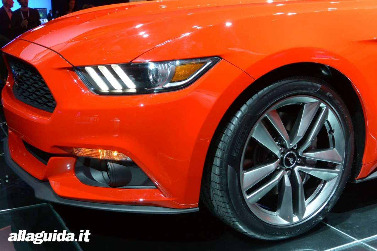 nuova Ford Mustang, luci diurne