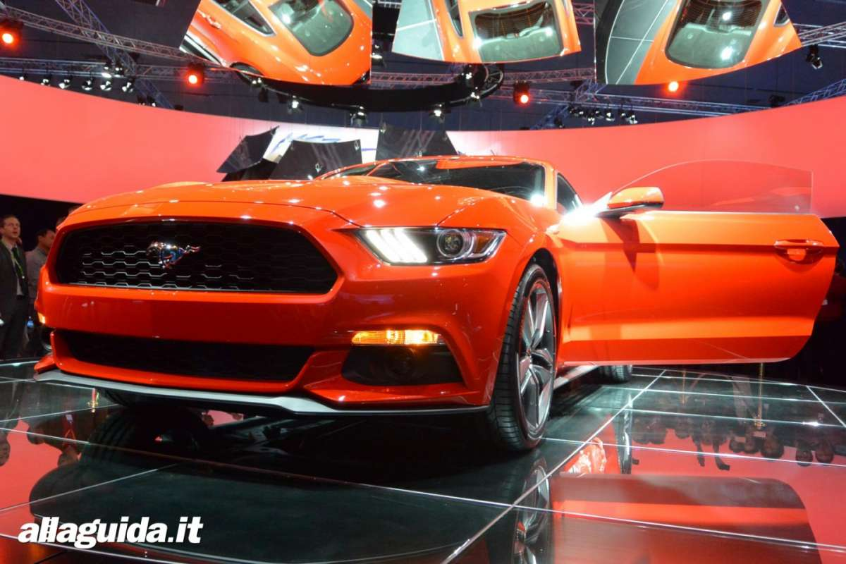 nuova Ford Mustang 2014