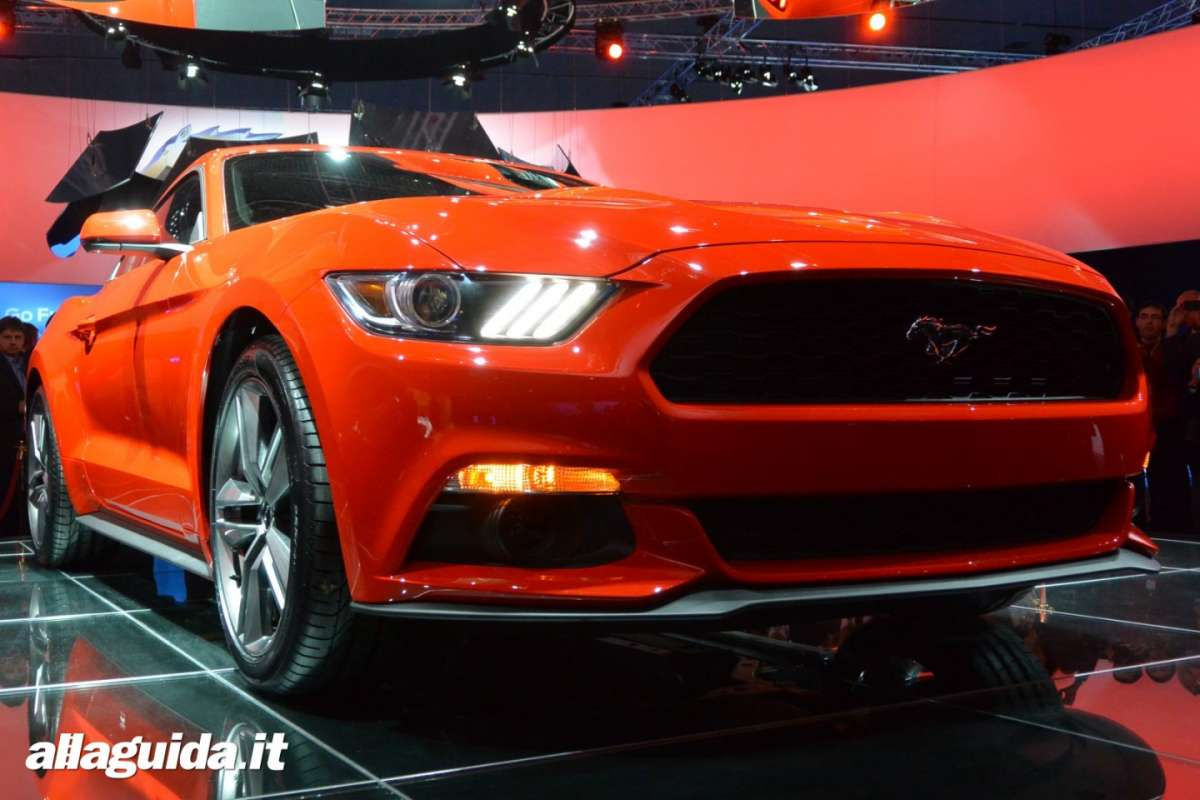 nuova Ford Mustang, frontale