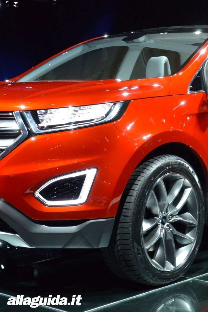 Ford Edge concept, fendinebbia a led