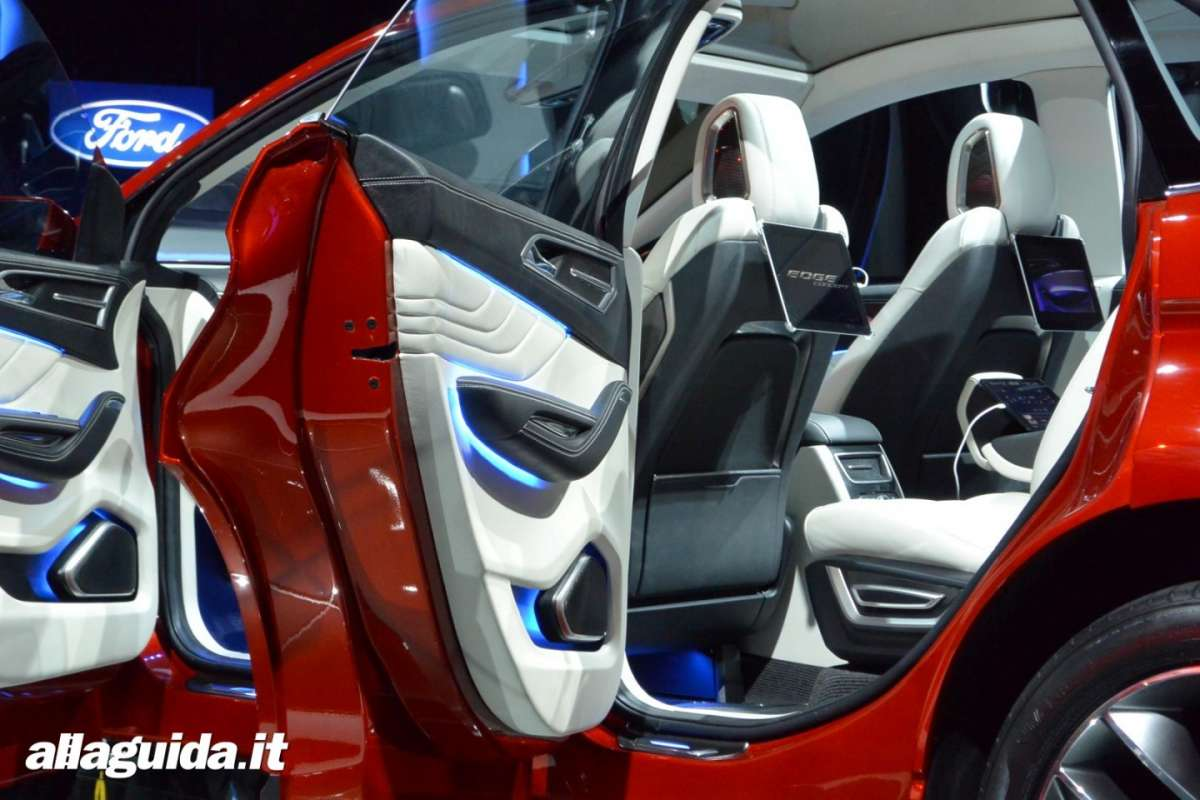 Ford Edge concept, interni