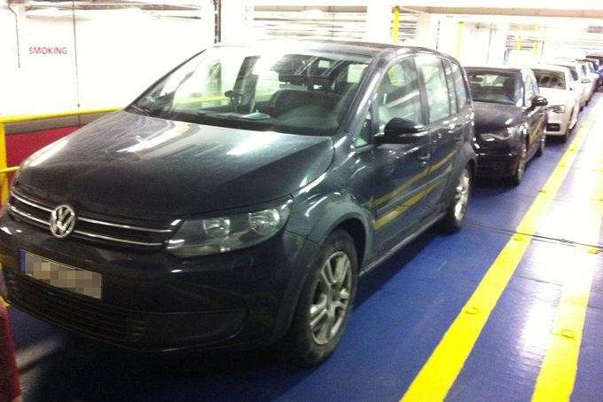 Foto spia VW Touran 2014