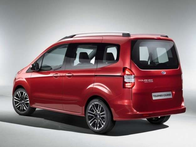 Ford Tourneo Courier posteriore