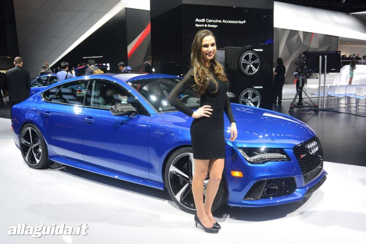 Le Hostess del NAIAS 2014 (6)