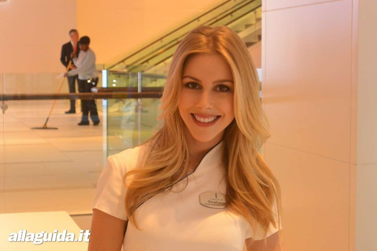 Le Hostess del NAIAS 2014 (19)