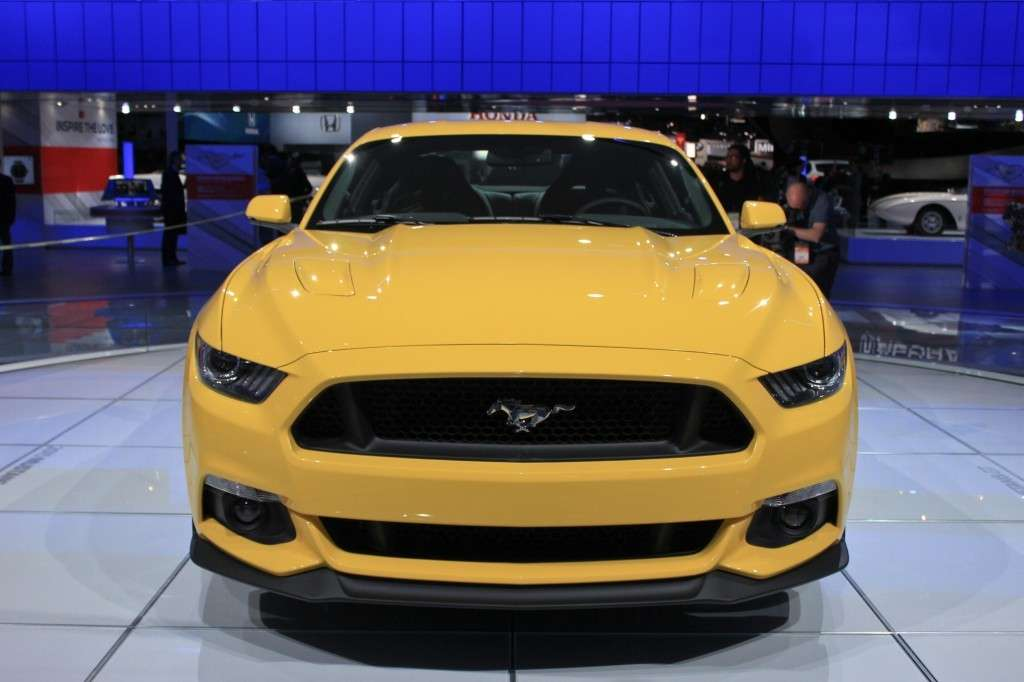 Ford Mustang 2014 gialla
