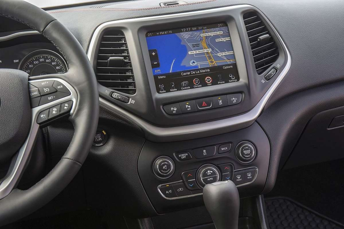 infotainment UConnect