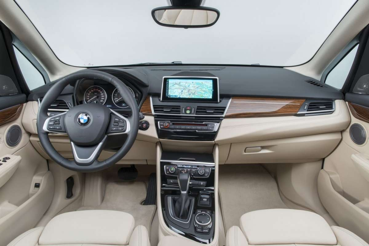 BMW Serie 2 Active Tourer interni