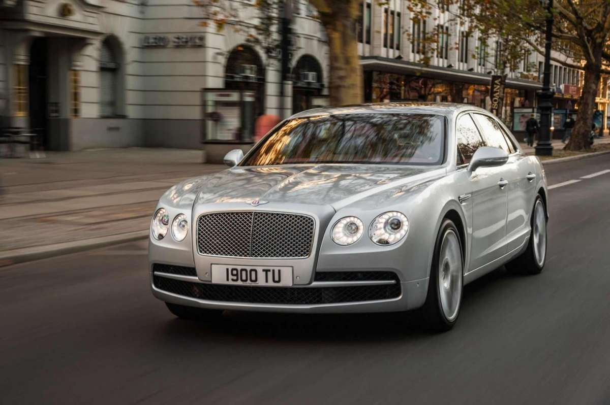 Frontale Bentley Continental Flying Spur