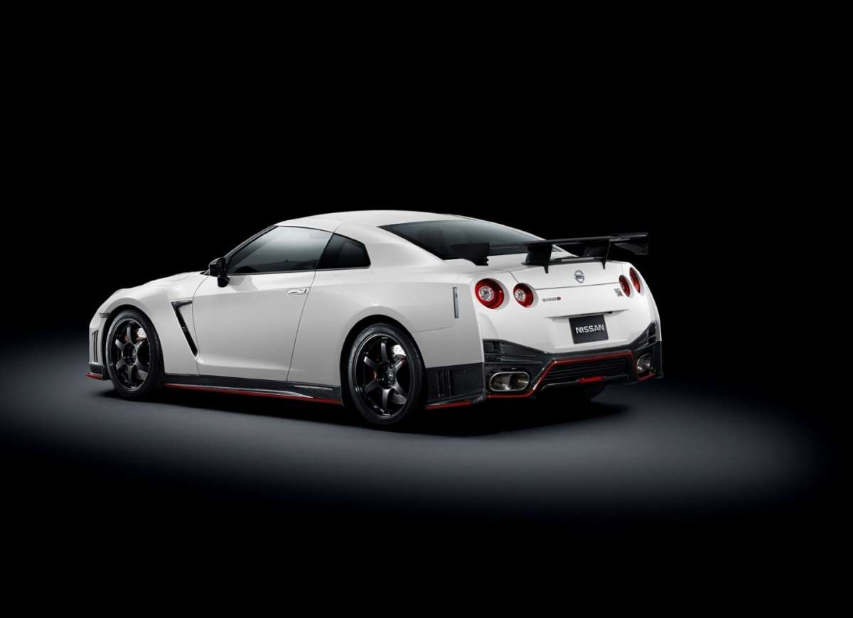 Nissan GT-R Nismo 2014 posteriore