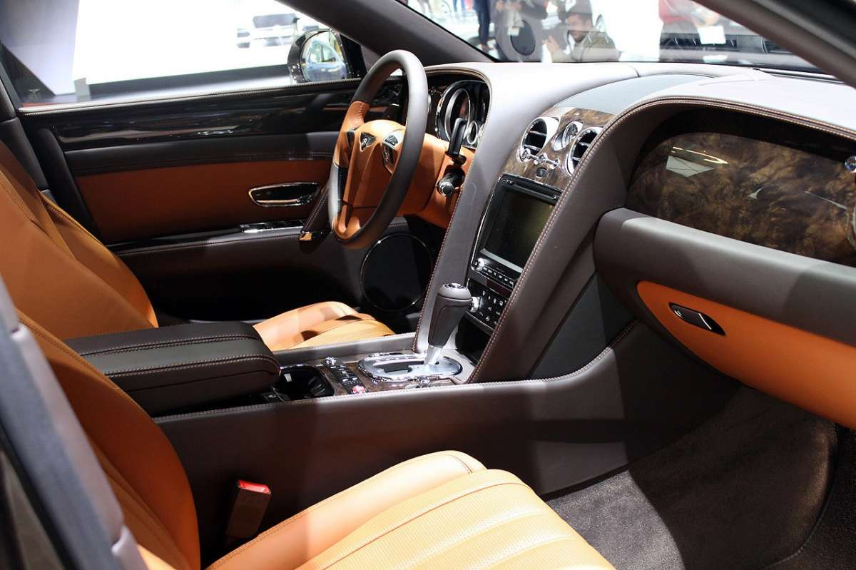 Bentley Continental Flying Spur 2014 abitacolo