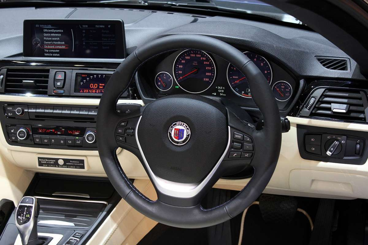 BMW Alpina B4 Bi-Turbo Cabrio interni