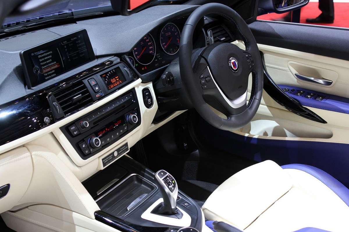 Interno BMW Alpina B4 Bi-Turbo Cabrio