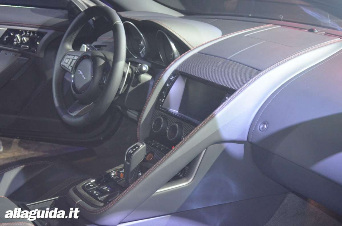 console centrale F-Type