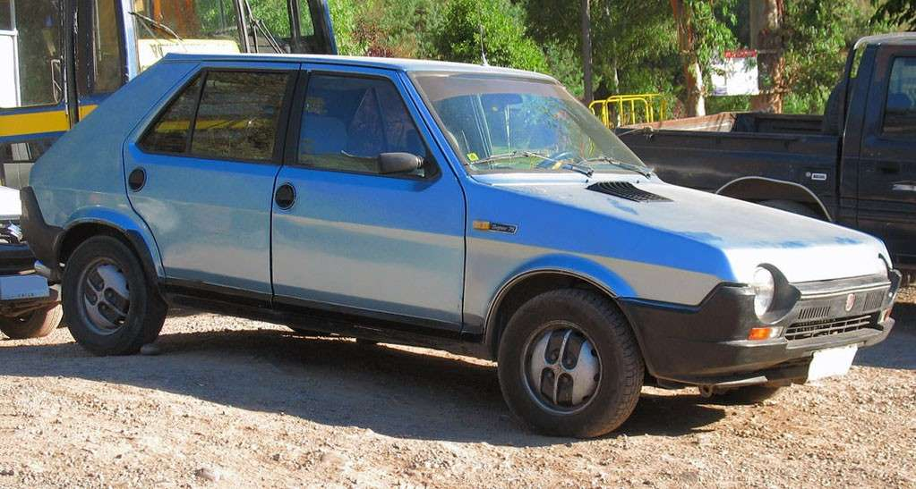 Fiat Ritmo Super vista lateralmente