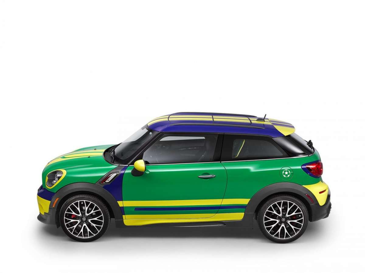 Vista laterale della MINI Paceman GoalCooper