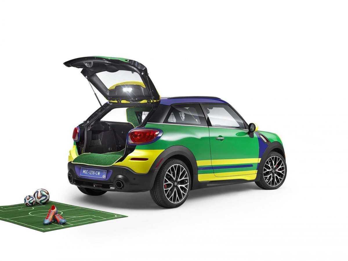 MINI Paceman GoalCooper vista da dietro