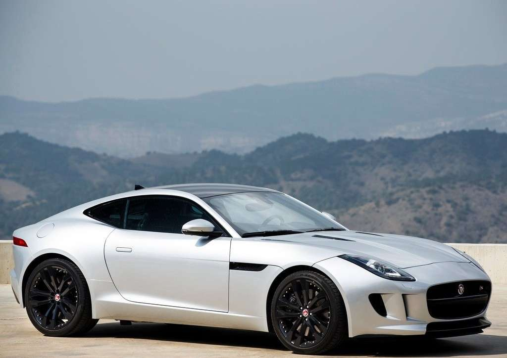F-Type coupe argento