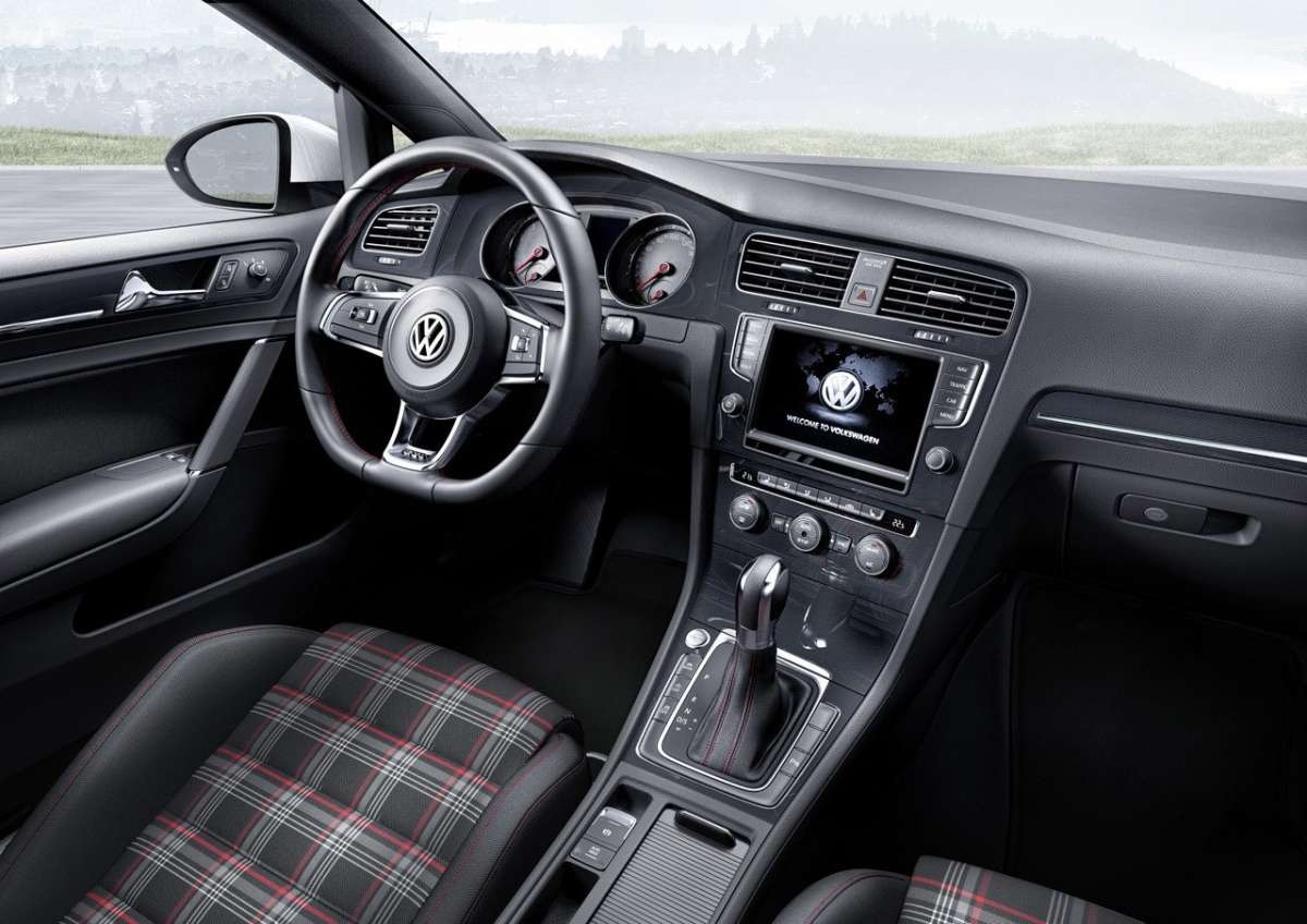 2014 Volkswagen Golf GTI interni