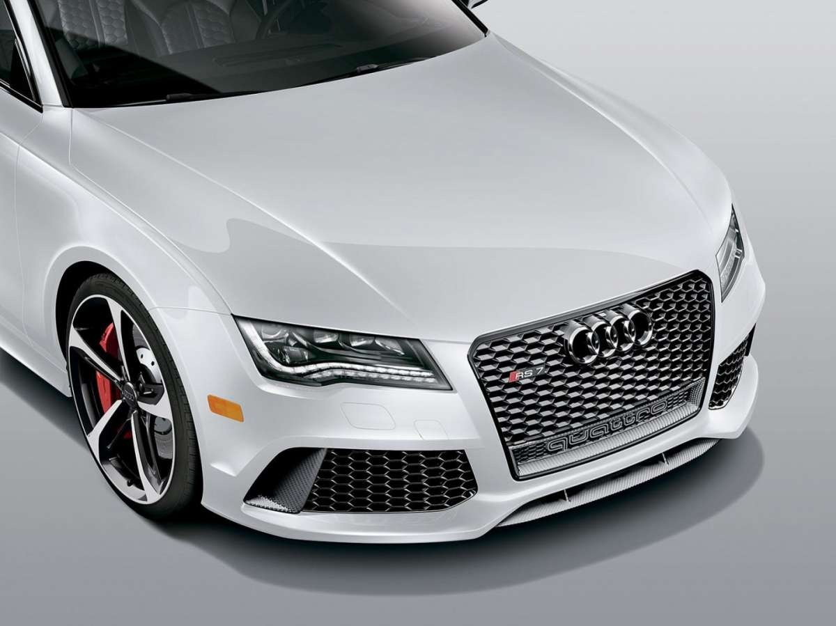 Anteriore Audi RS7 Dynamic Edition bianca