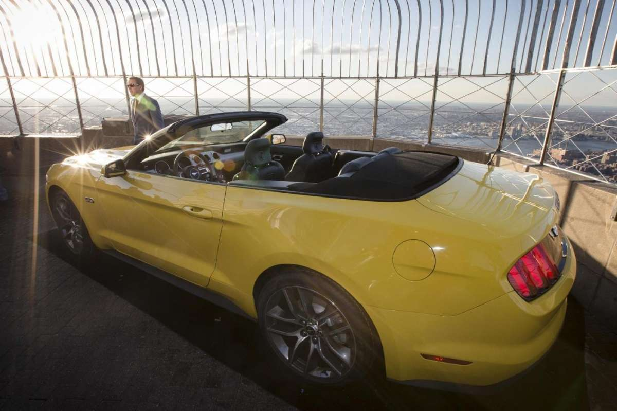 Ford Mustang convertible, Salone New York 2014