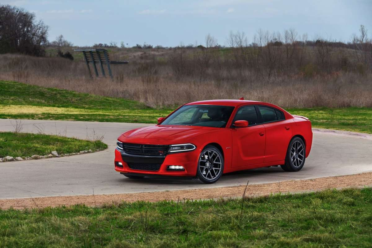 Dodge Charger 2015 rossa
