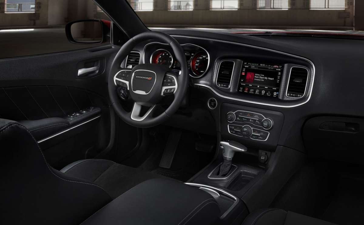 Plancia Dodge Charger 2015