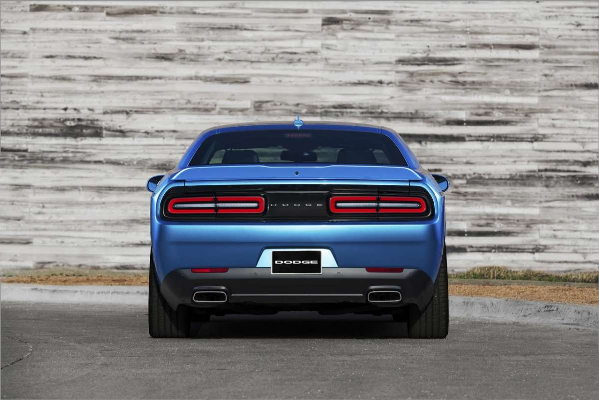 Restyling Dodge Challenger 2015