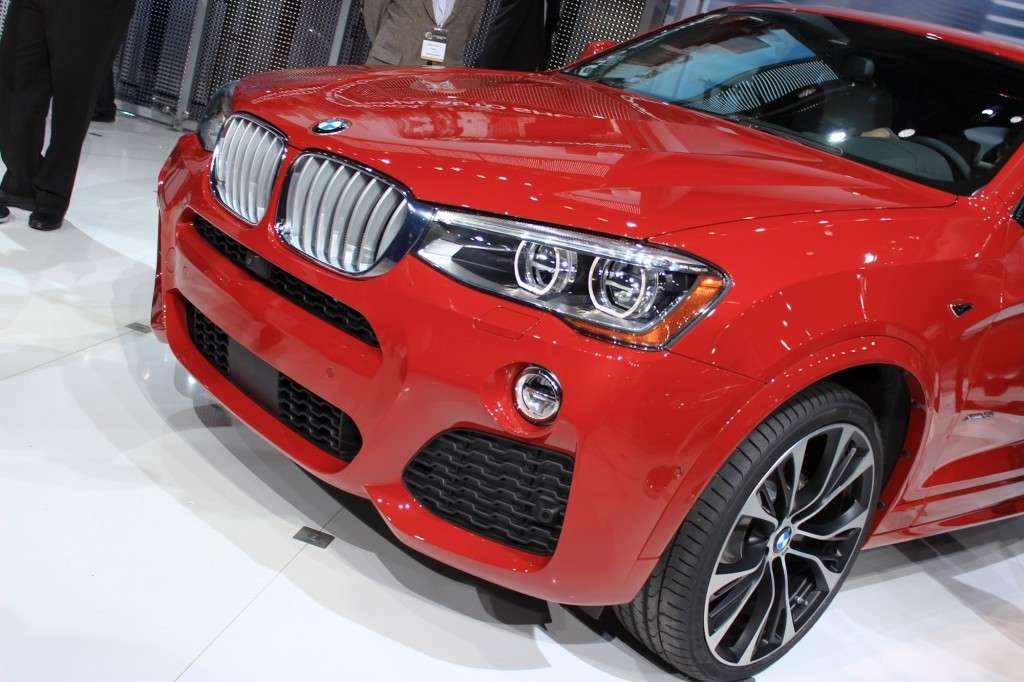 Anteriore BMW X4 al Salone di New York 2014