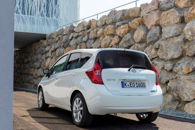 Nissan Note posteriore