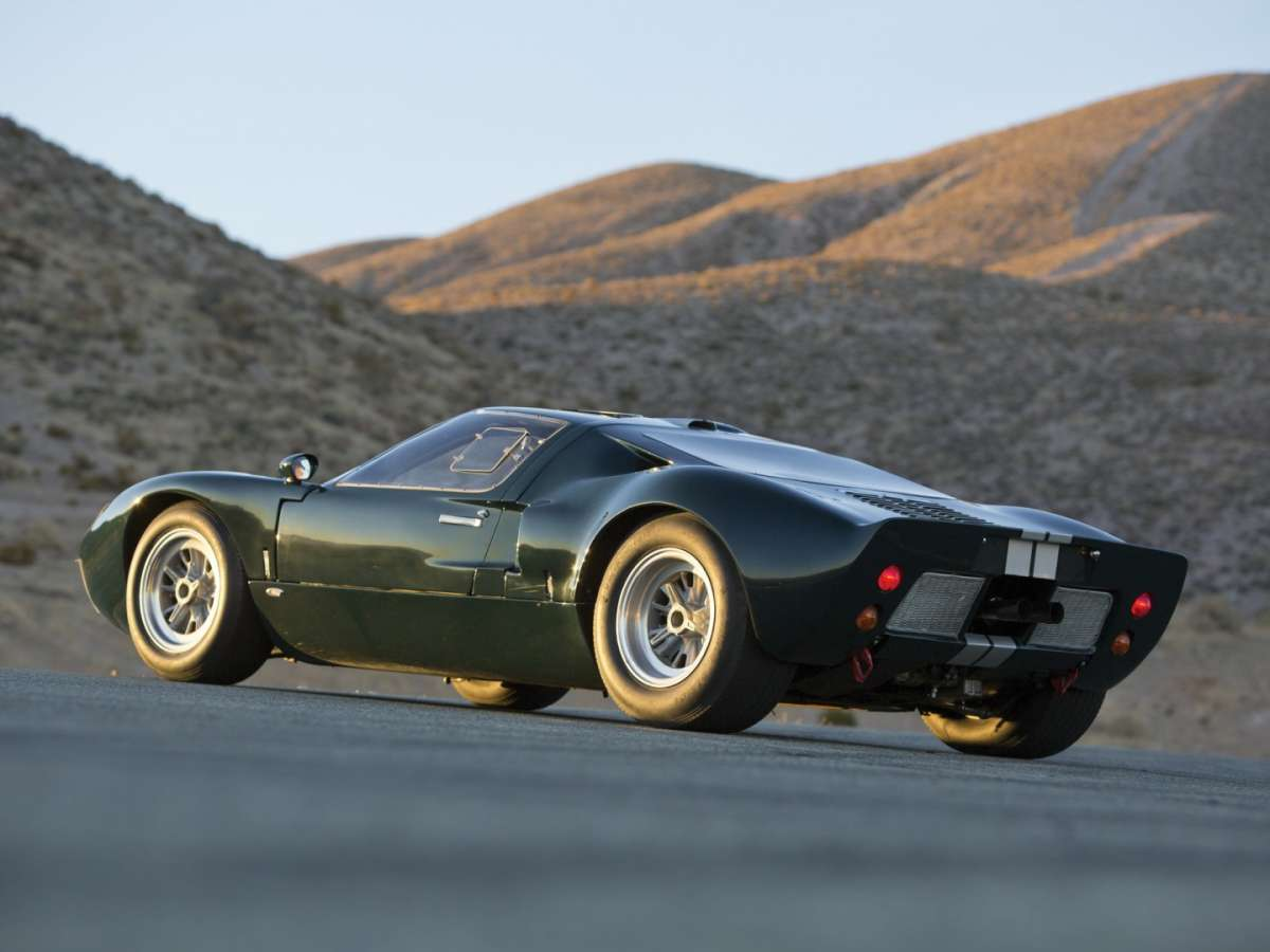 Ford GT 40 laterale posteriore