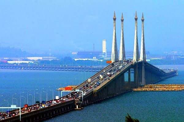 Penang Bridge veduta traffico