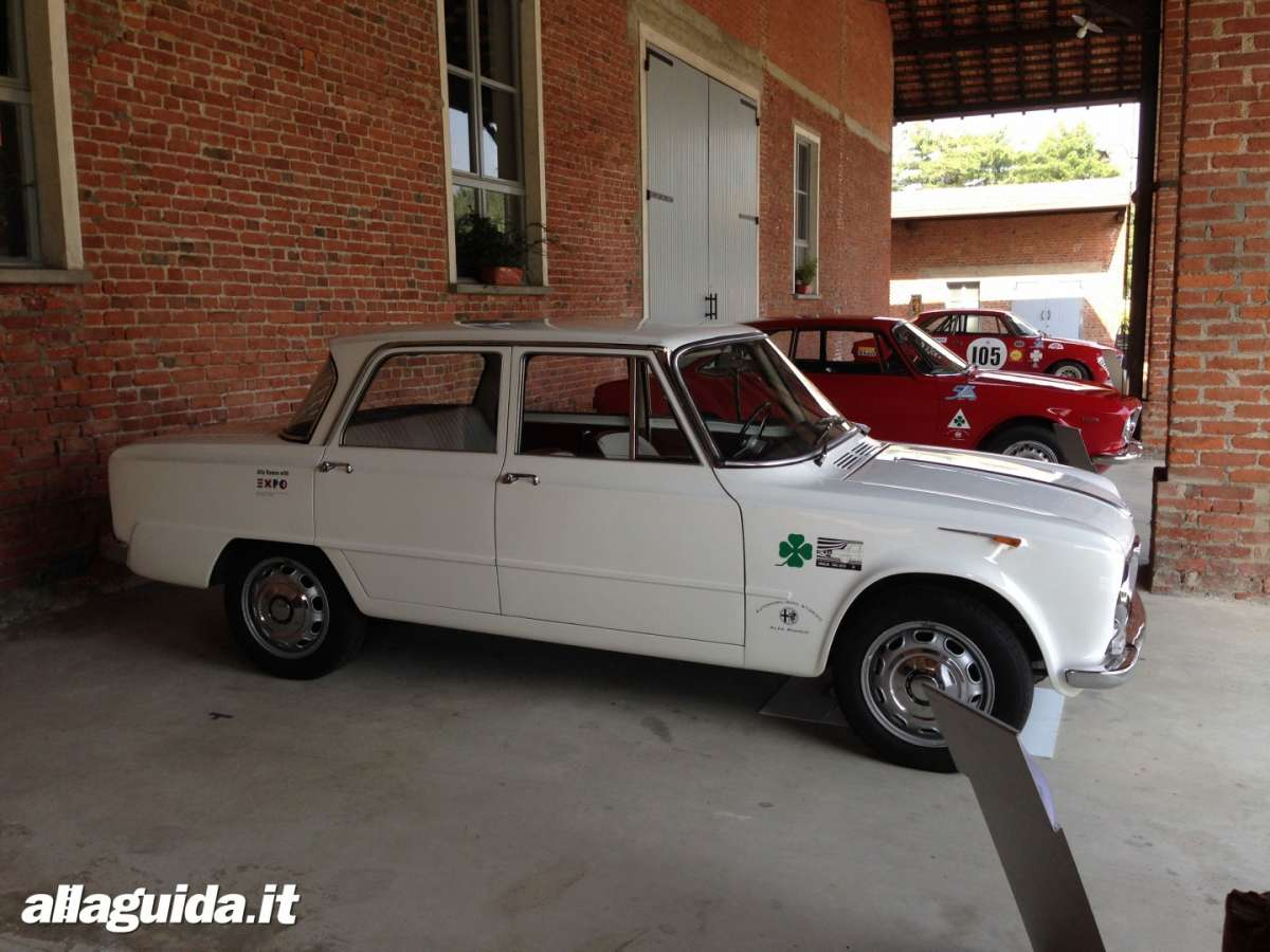 Laterale Alfa Giulia berlina