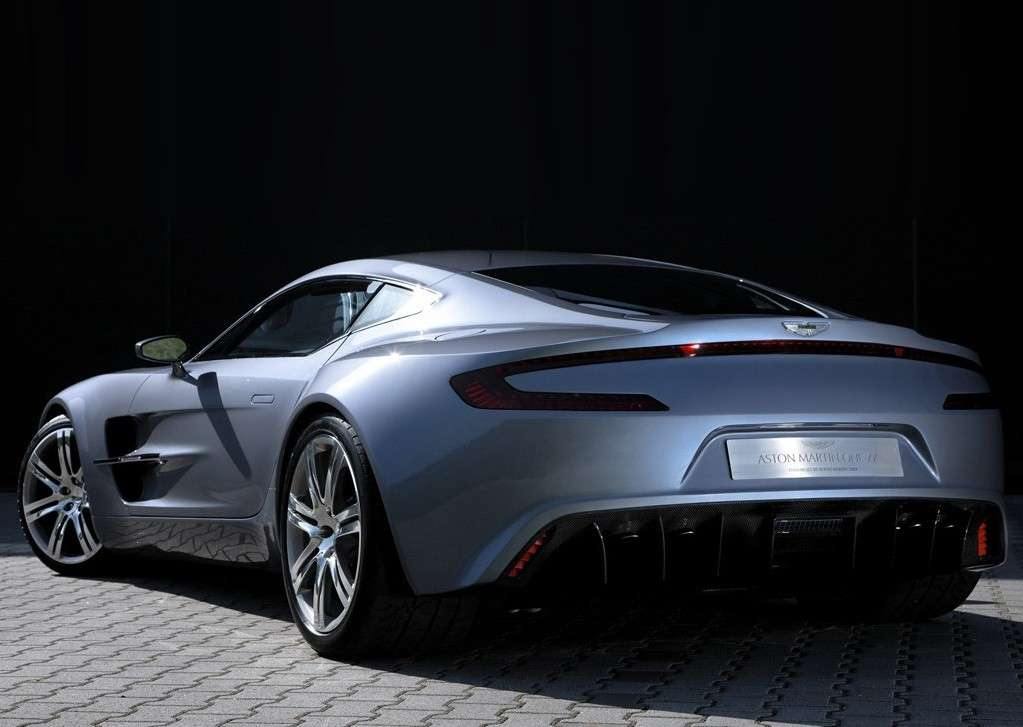 Aston Martin One-77 di Eto'o