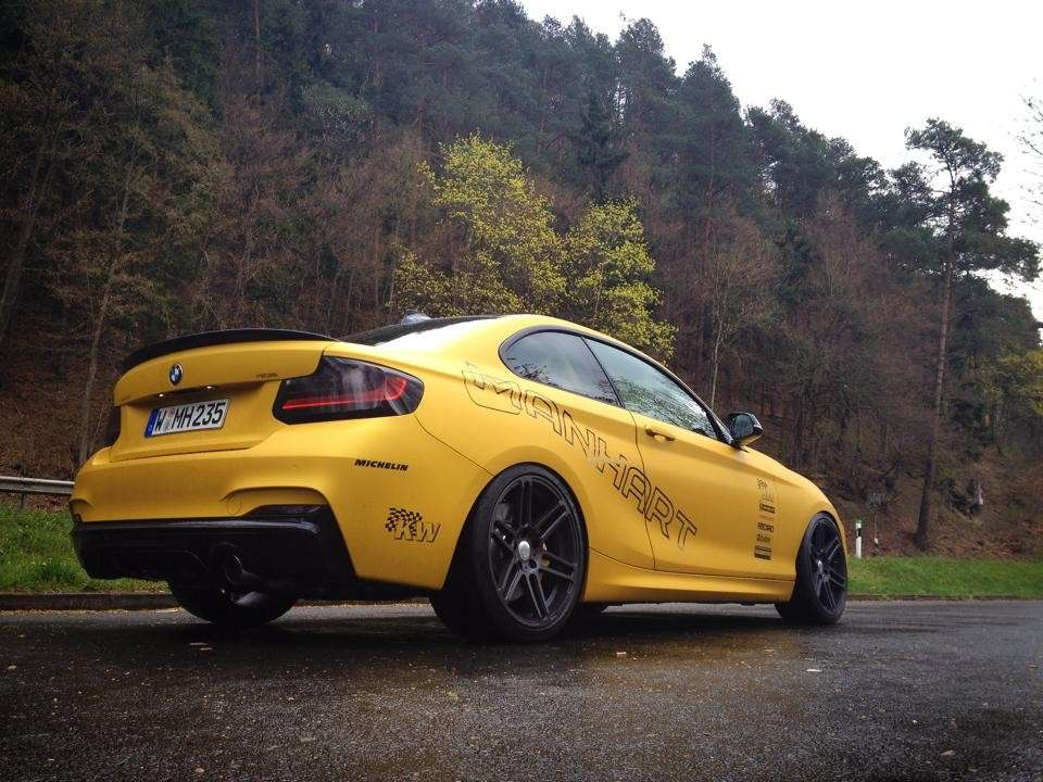 Bmw M235i by Manhart angolo posteriore