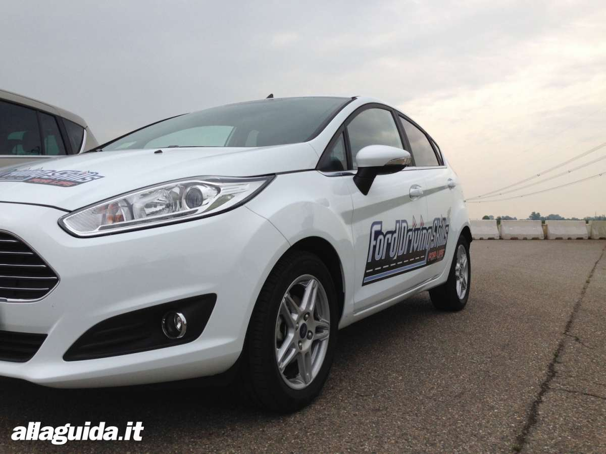 Fiesta con logo Ford Driving Skills For Life