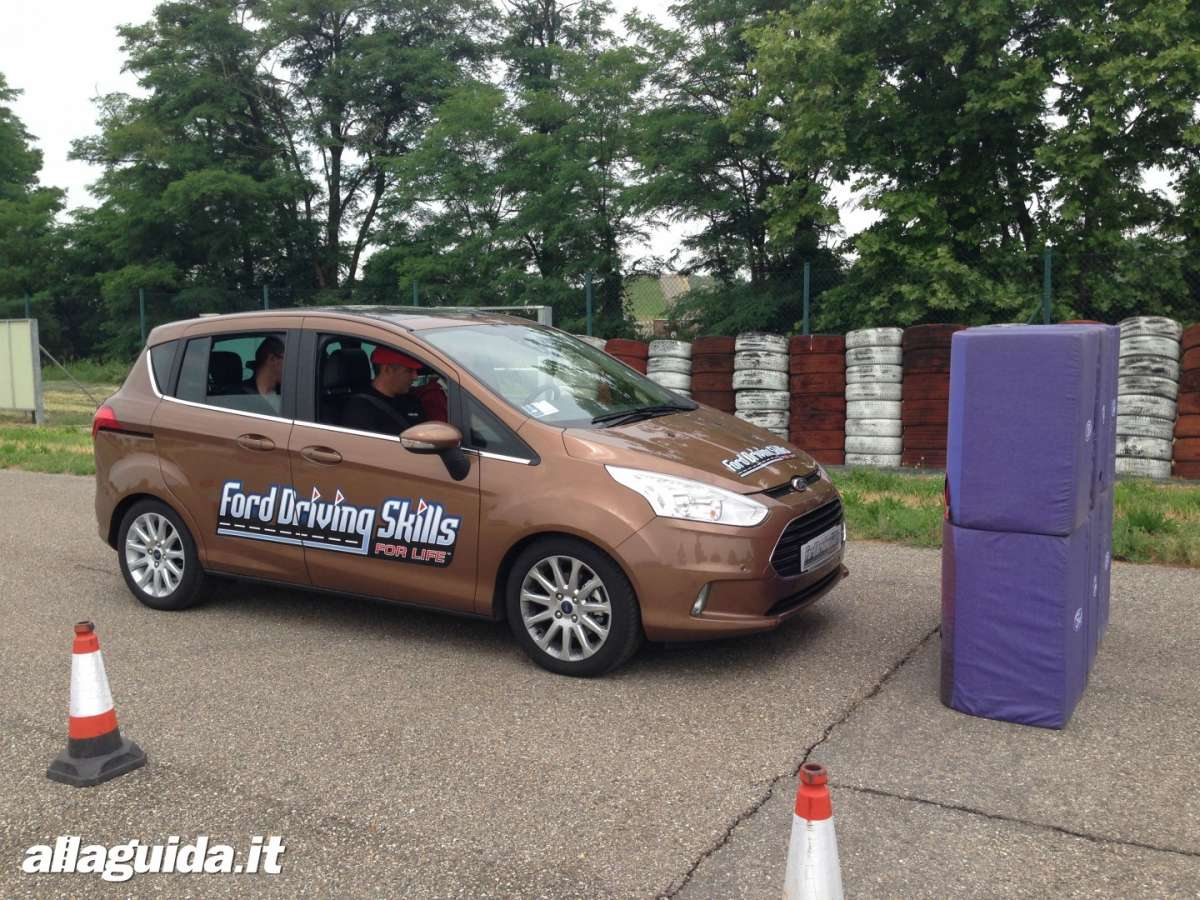 Active City Stop  prova Ford B-Max EcoBoost