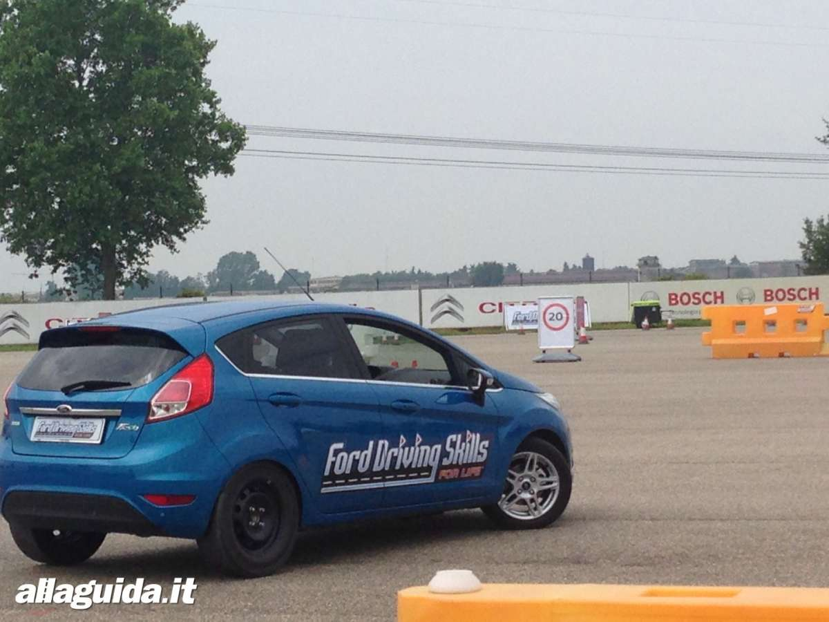 Ford Driving Skills For Life sovrasterzo Ford Fiesta