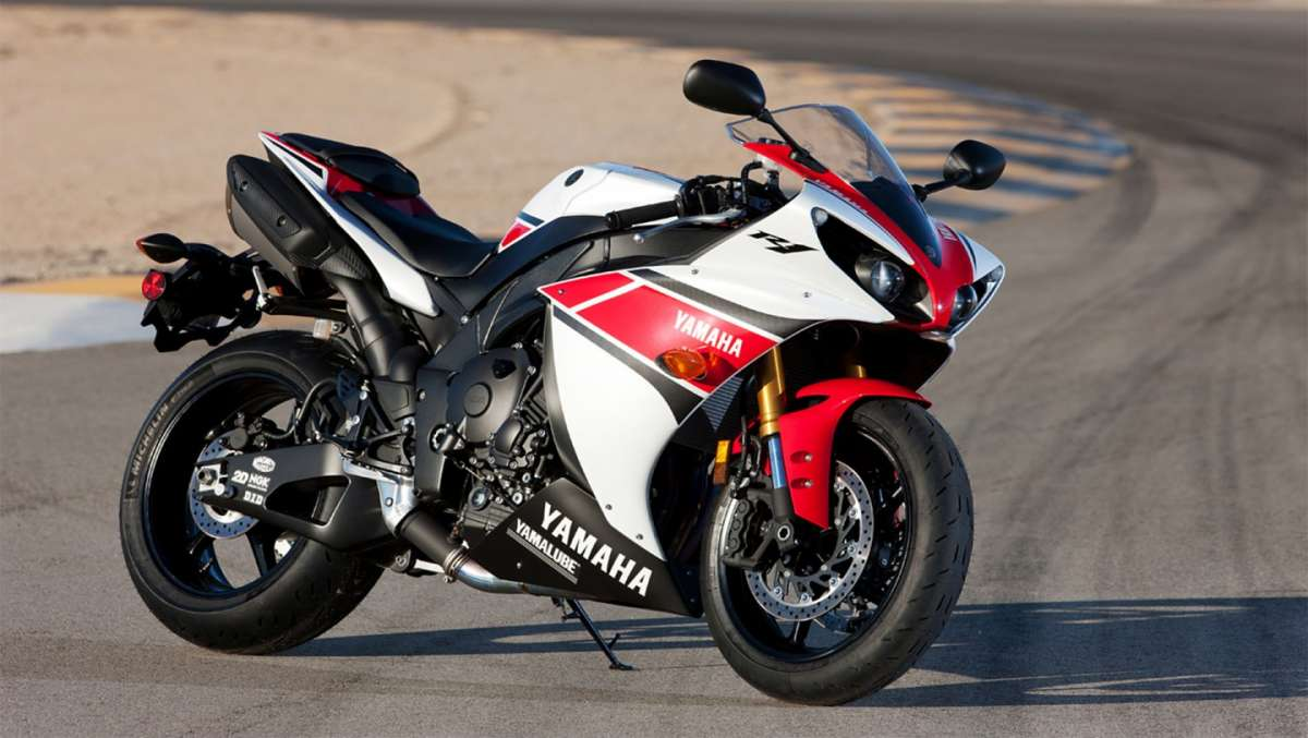 Yahama YZF-R1 col cavalletto