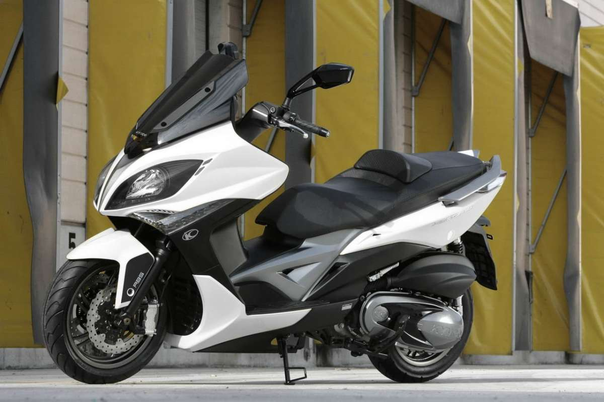 Kymco Xciting  laterale anteriore