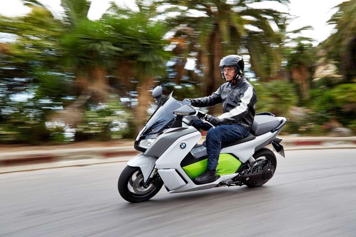 Bmw C Evolution su strada