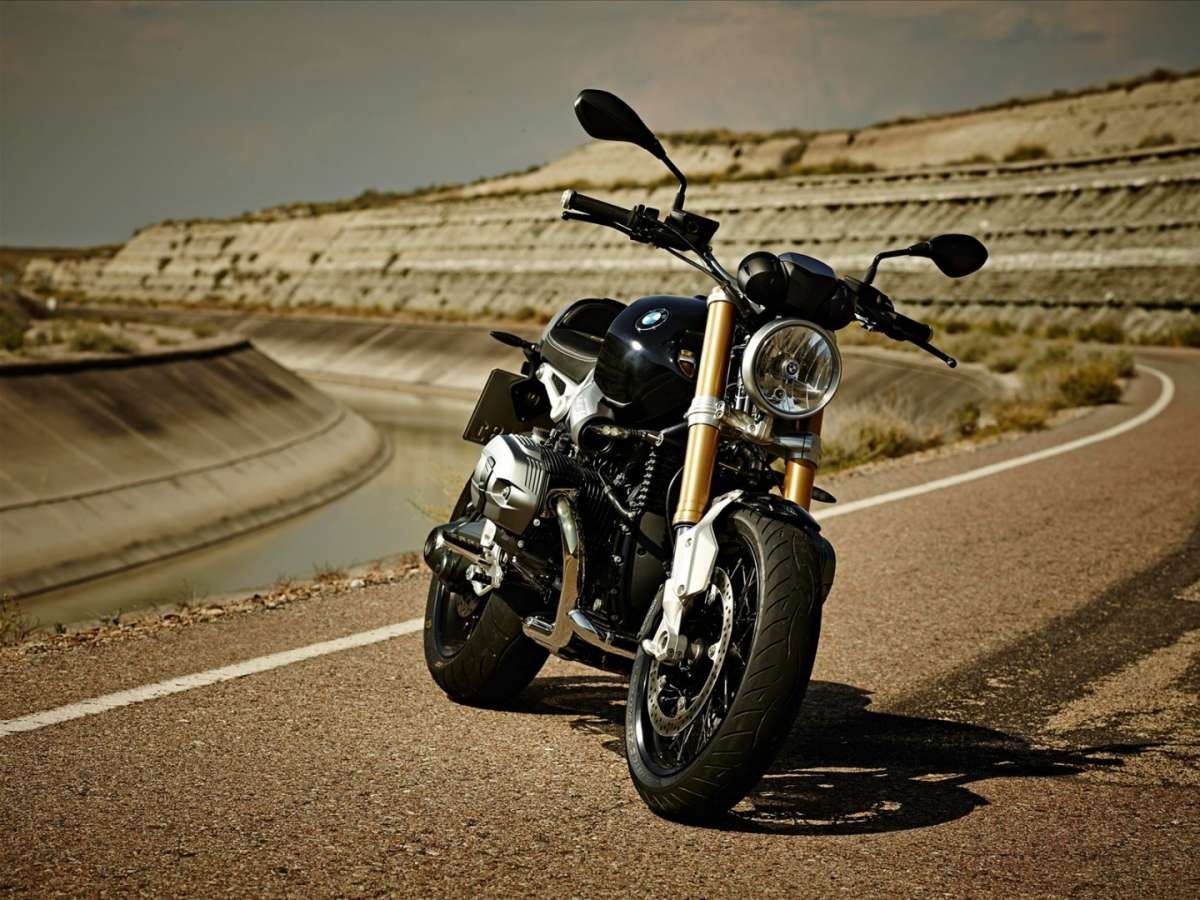 BMW R nineT laterale anteriore