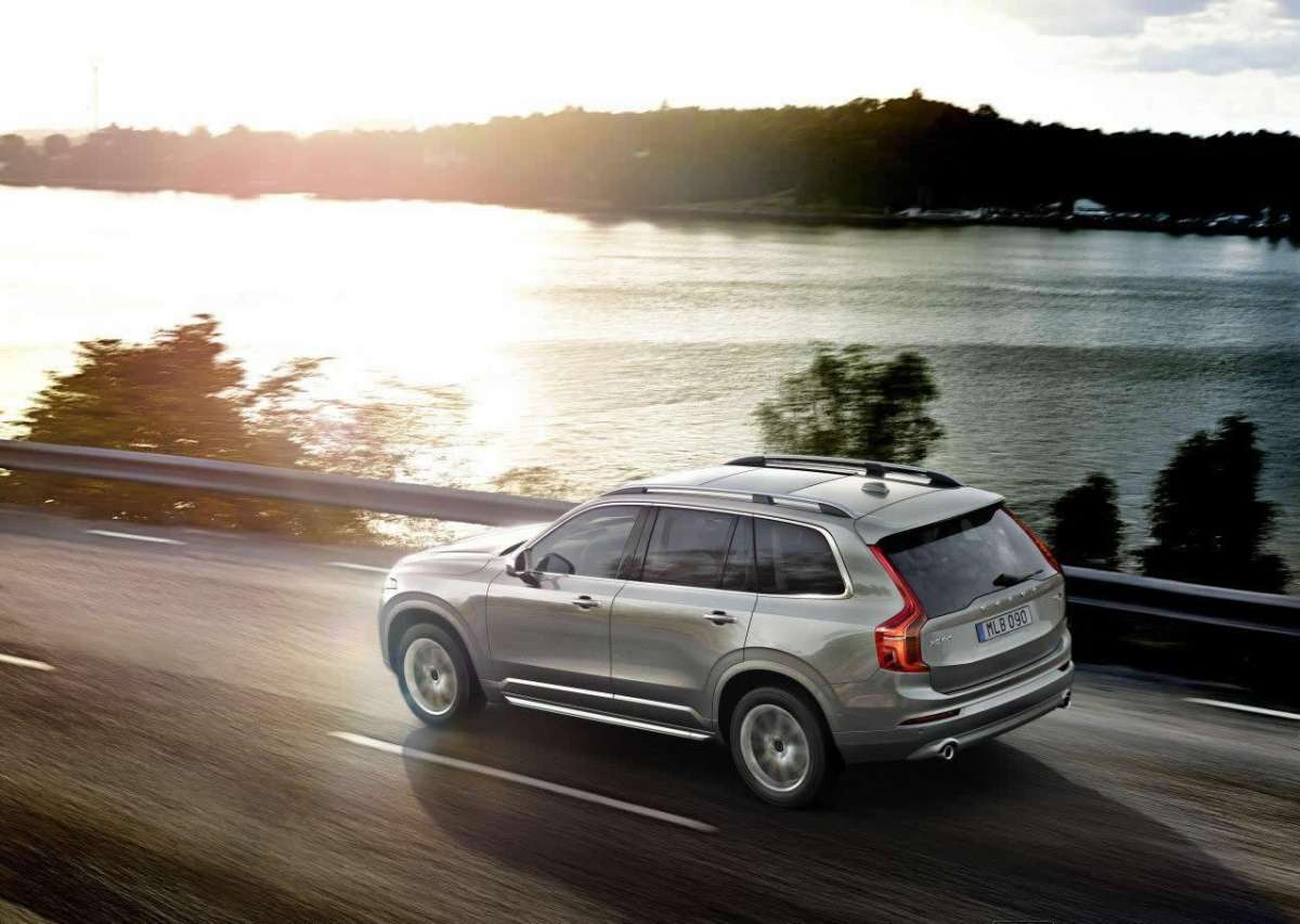 Volvo XC90 2015 laterale