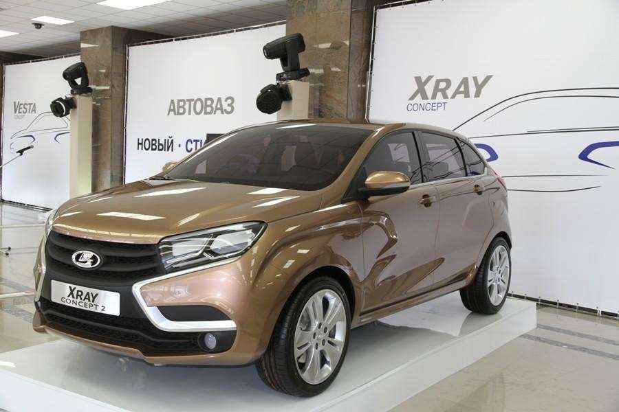 Lada X-Ray marrone