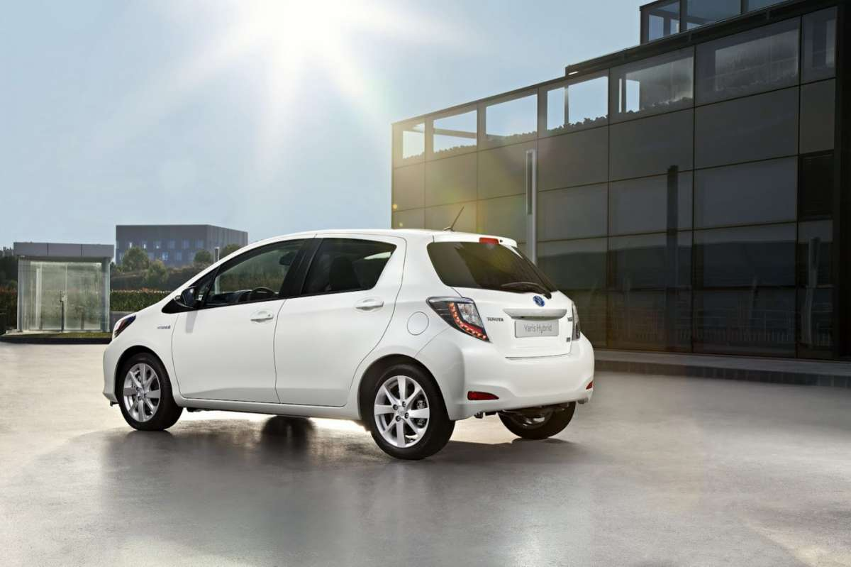 Toyota Yaris laterale posteriore