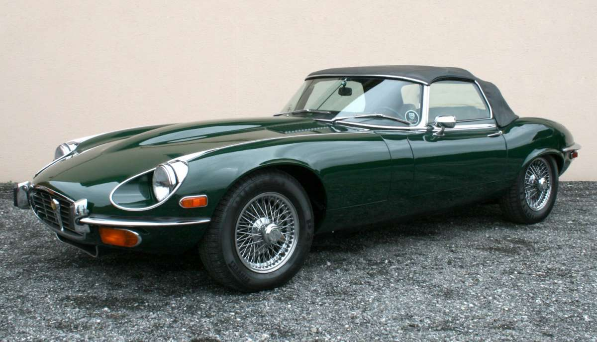 Jaguar E-Type lato