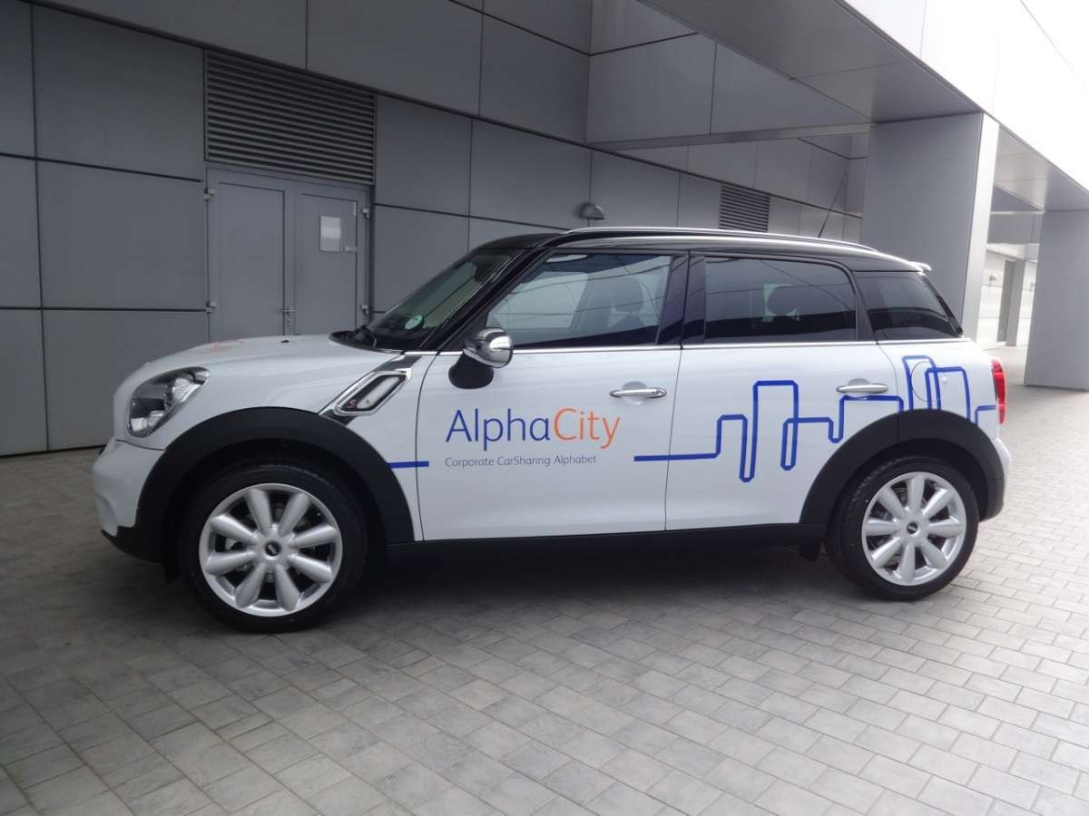 Mini e Bmw Alphacity